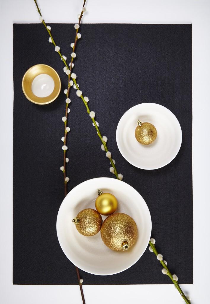 Jo Davies bowls
